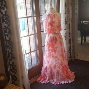 Dresses & Skirts - Beautiful floral long dress. Size 2
